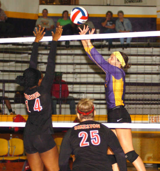 Sikeston swept by Bloomfield, 25-14, 25-14