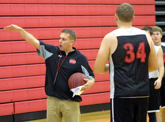 BOYS BASKETBALL PREVIEW: Dowdy returns home, hopes to change culture at Dexter