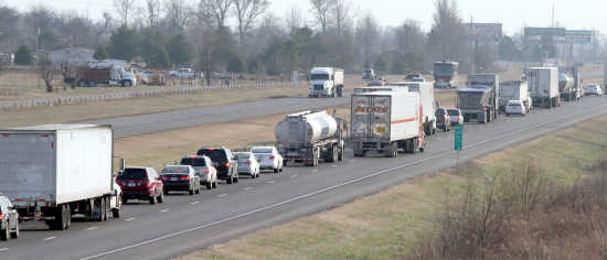 6 injured in I-55 accident