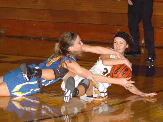 Naylor's strong second half finishes Oran in sectional
