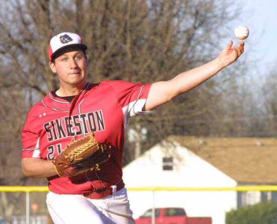 Sikeston rolls past NMCC in five innings