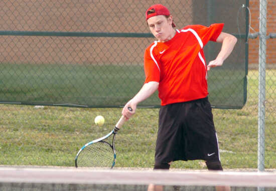 Sikeston tennis drops home match to Marion, Ill., 6-3