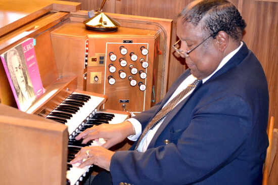 Workshop aims to preserve the art of playing the organ