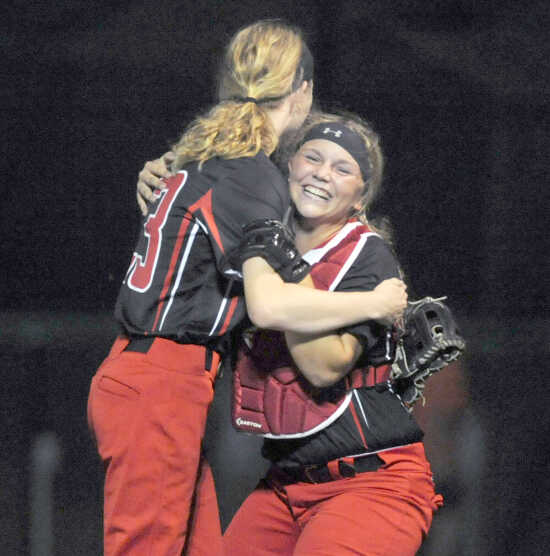 Sikeston softball moves into district title game with 15-12 win over Perryville