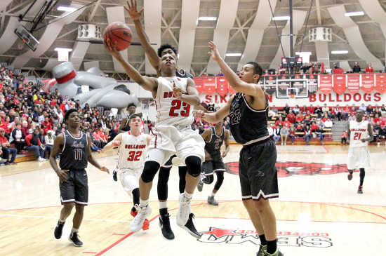 Homecoming romp: Sikeston improves to 19-0 with 86-65 win over Poplar Bluff