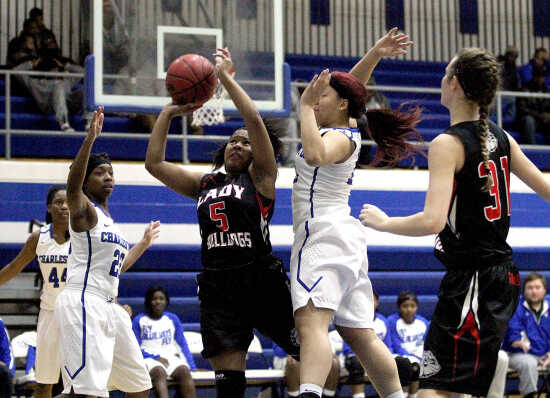 Sikeston rebounds from loss with big win over arch rival Charleston