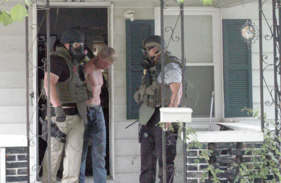 Man removed safely from Sikeston home after barricading self for three hours