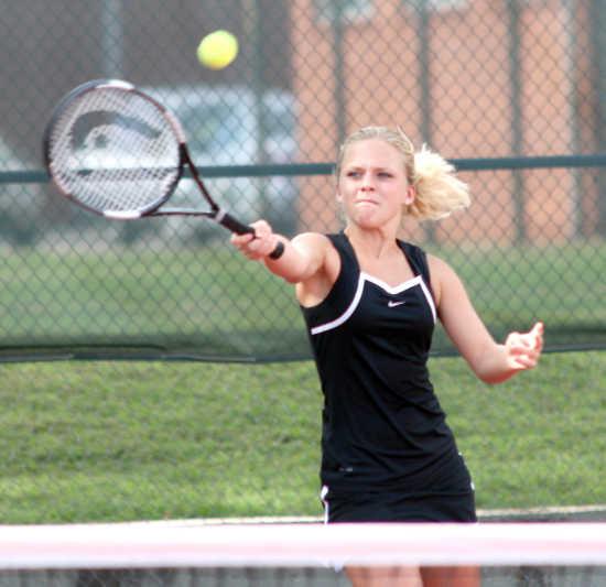 SD ROUNDUP: Sikeston tennis edged by Poplar Bluff, Dexter volleyball falls to Jackson