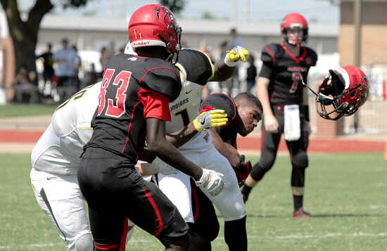 Sikeston scores 22-unanswered to rally past Kennett