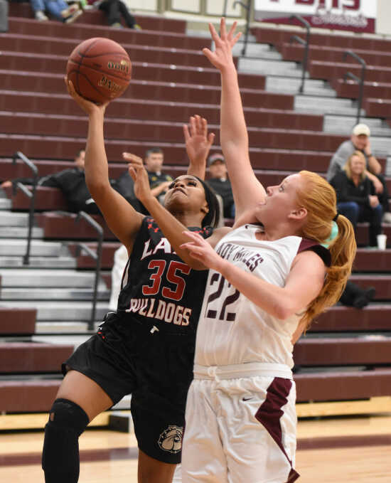Sikeston girls basketball team drops SEMO Conference game to Poplar Bluff