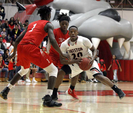 Sikeston holds off talented Caruthersville 88-79