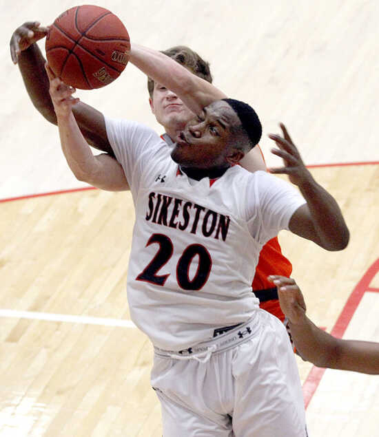 2016-17 Standard Democrat Boys Basketball Player of the Year: Fred Thatch, Sikeston