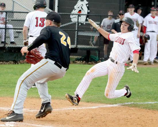 ab457fb15a5 Sikeston baseball falls to Kennett 5-4 (4 10 19)