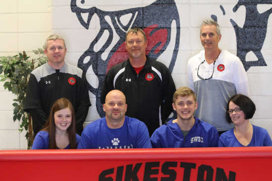 7b8e8a15c94 SIGNING  Sikeston s Trey Jenkins signs with Southwestern Illinois College  (4 17 19)