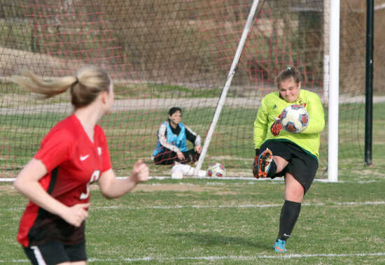 11a9f279361 Conditions prove to be costly for Sikeston girls soccer in loss to  Farmington (4 18 19)